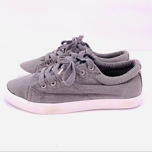Rocket Dog Gray Canvas Low Top Sneakers